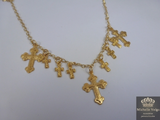 Colar dourado com cruz, crucifixo, várias cruzes, maxi colar com cruz, comprar, venda online, acessórios com cruz