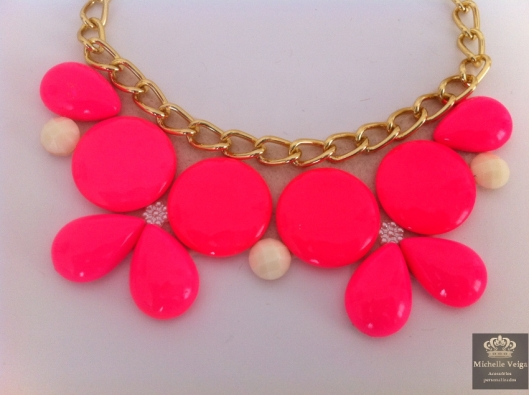 maxi colar neon, maxi colar, fluor, rosa neon, pink, bibnecklace, sorteio, veroa, loja online, acessorios comprar,