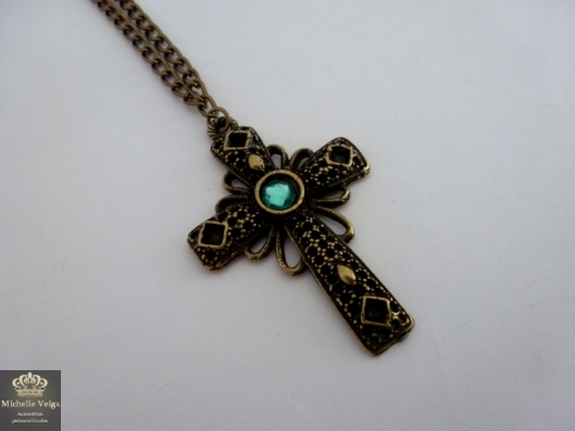 colar longo de cruz azul, colar de cruz, crucifixo, loja online, onde comprar, colar da thassia