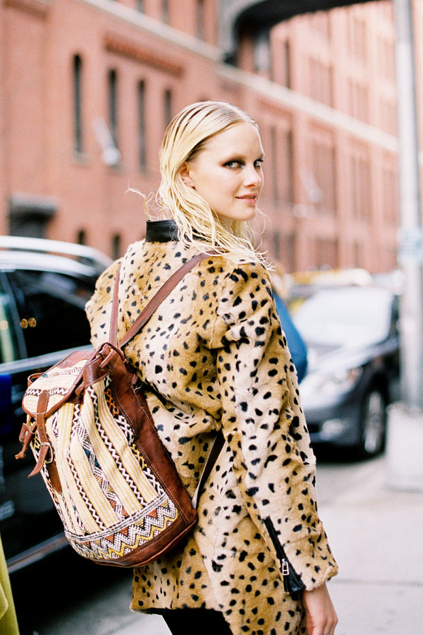 looks com mochilas, moda, tendencia, fashion, como usar