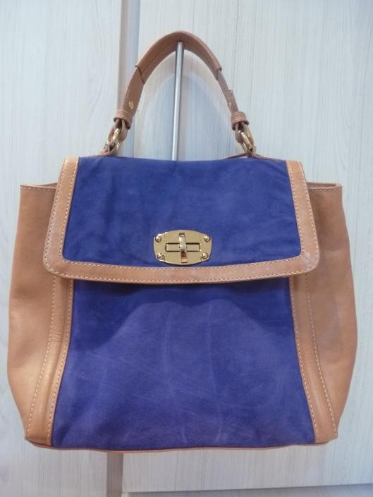Bolsa caramelo com azul bic